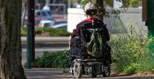 Les fauteuils roulants : une gamme impressionnante de modèles
