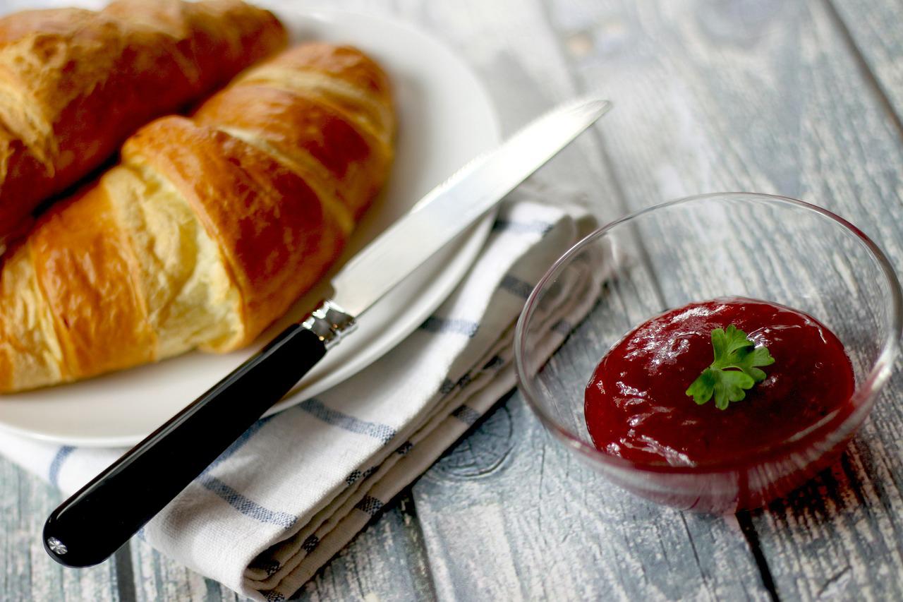 Croissants au petit-déjeuner