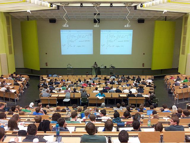 Etudiants en médecine à l'université